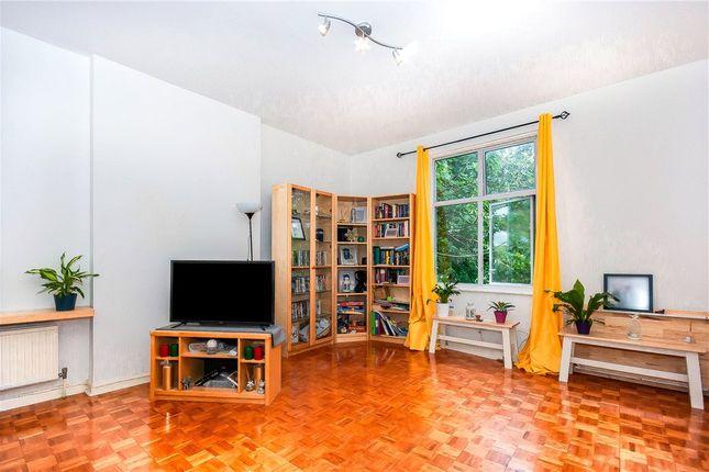 Picture No. 04 of January House, 28 Birdhurst Rise, South Croydon CR2