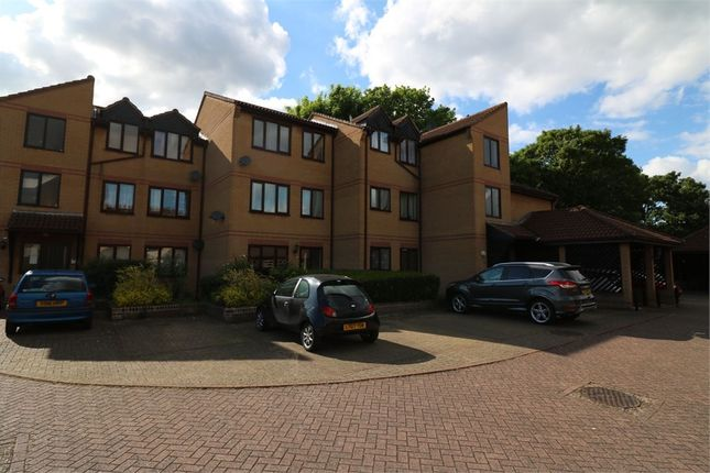 Thumbnail Flat to rent in Cross Road, Waltham Cross, Hertfordshire
