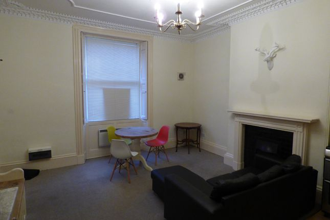 1 bed flat to rent in Wood Street, Swindon