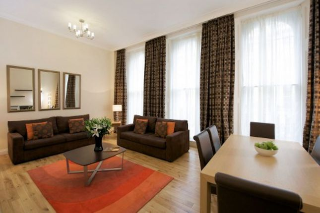 Flat to rent in Prince Of Wales Terrace, London
