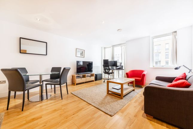 1 bed flat to rent in Jubilee Court, 8 Wood Wharf, London SE10