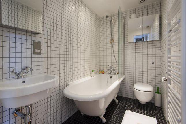 Bathroom of Greenwood Road, London E8