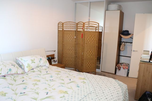 Thumbnail Flat to rent in 30 Palmers Road, London