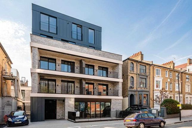 3 bed flat for sale in Shore Road, Hackney, London E9
