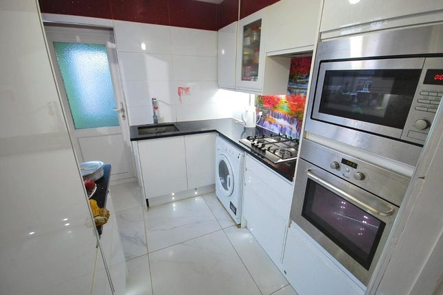 Thumbnail Maisonette for sale in Beresford Avenue, Wembley, Middlesex