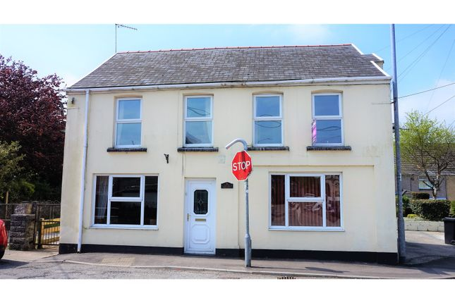 4 bed detached house for sale in Cefn Gelli, Cwmgwrach