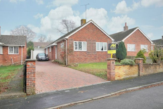 Thumbnail Bungalow for sale in Conholt Road, Andover