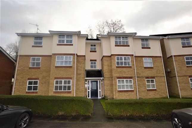 2 bed flat for sale in Evensyde, Watford, Hertfordshire WD18