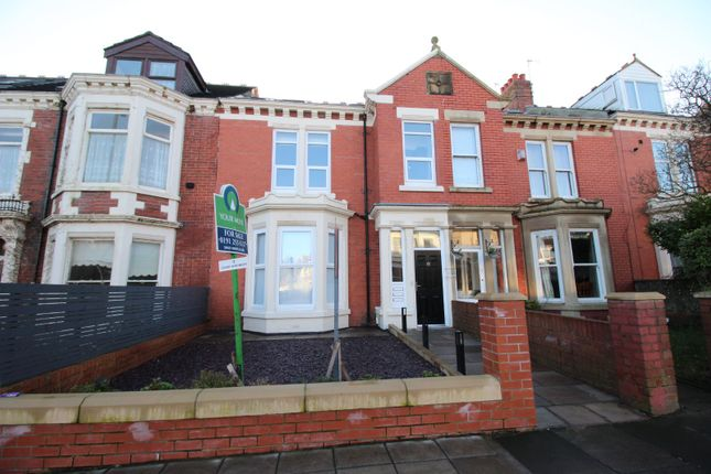 Thumbnail Flat for sale in Marine Avenue, Whitley Bay, Tyne And Wear