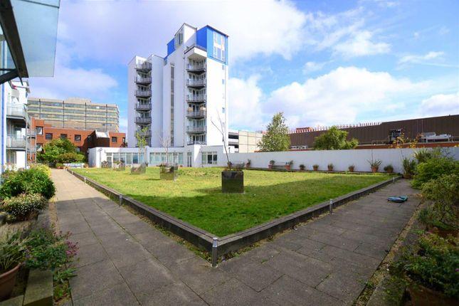 1 bed flat for sale in Plaza 21, Sandford Street, Swindon SN1