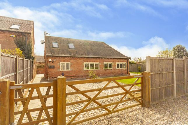 4 bed property for sale in Common Lane, Bramcote, Nottingham NG9