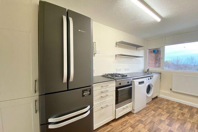 2 bed flat to rent in The Street, Rustington, Littlehampton BN16