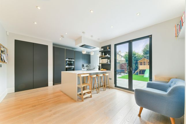 Thumbnail Terraced house for sale in Vernon Road, London