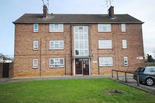Thumbnail Flat for sale in Trent Road, Chelmsford