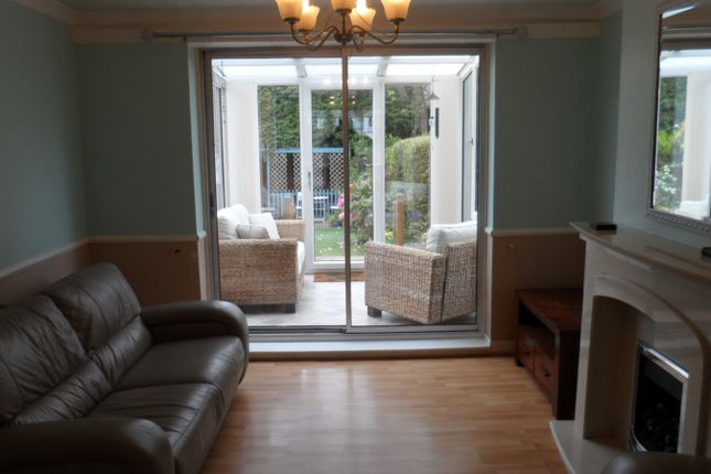 Thumbnail Semi-detached house to rent in Whitehurst Road, Stockport