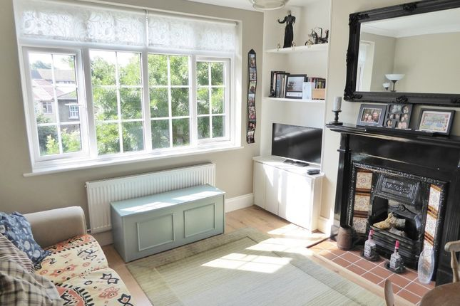 Thumbnail Flat for sale in Arnold Road, Tooting