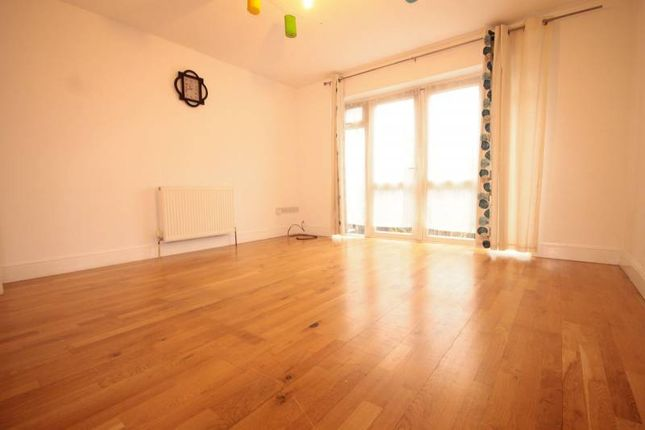 3 bed terraced house to rent in Brantwood Gardens, Ilford
