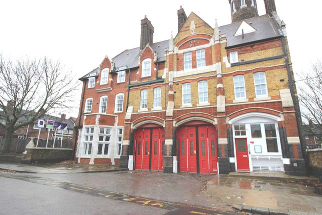 Thumbnail Flat to rent in Sunbury Street, Woolwich