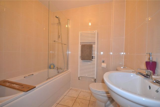 Bathroom of Sparrowhawk Way, Bracknell, Berkshire RG12