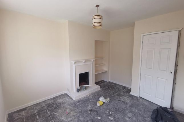 Thumbnail Semi-detached house to rent in Dry Lane, Crawley, Witney