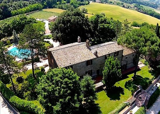 Thumbnail Country house for sale in Perugia, Umbria, Italy