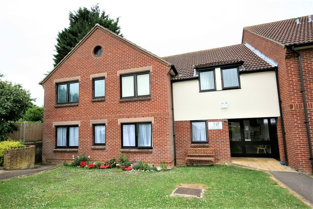 Flat for sale in Coles Close, Ongar