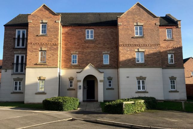 2 bed flat to rent in Denbigh Avenue, Worksop S81