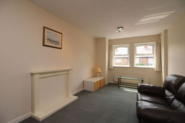 Thumbnail Flat to rent in Regent Road, Newcastle Upon Tyne