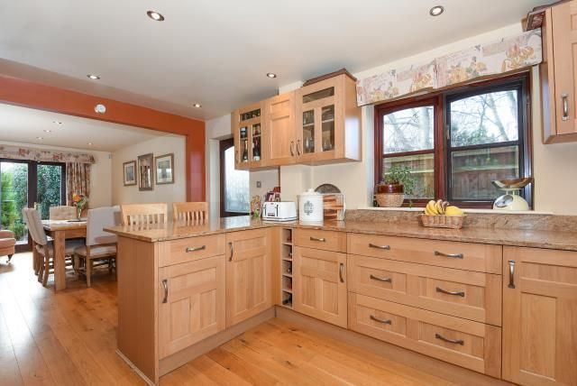 Thumbnail Cottage for sale in Oakley Green, Windsor