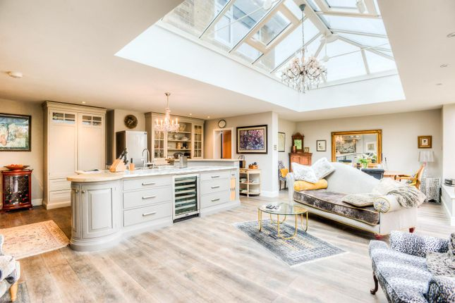 Thumbnail Detached house for sale in Park Road, Leamington Spa