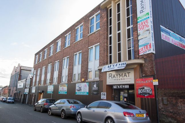 Thumbnail Leisure/hospitality to let in Bridgefield Street, Radcliffe, Manchester