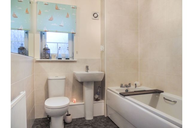 Bathroom of 961 Gartloch Road, Glasgow G33