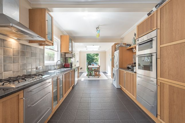 Thumbnail Property to rent in Muswell Avenue, London
