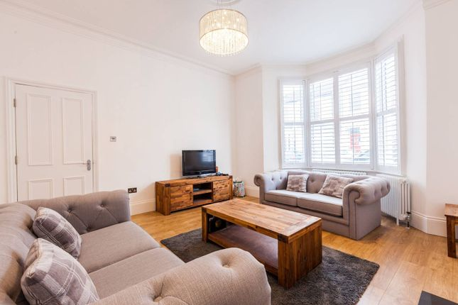 Thumbnail Property to rent in Winslade Road, Brixton
