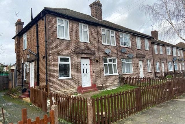Thumbnail Detached house to rent in Botwell Crecsent, Hayes, Middlesex