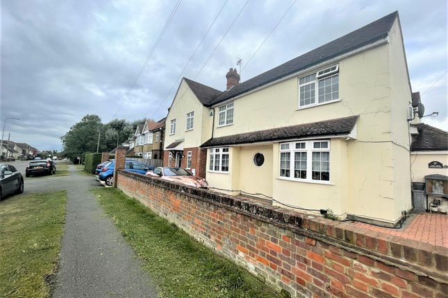 Thumbnail Detached house to rent in Bedford Road, Barton-Le-Clay, Bedford