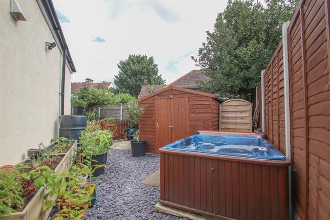 Hot Tub of Highfield Close, Westcliff-On-Sea SS0
