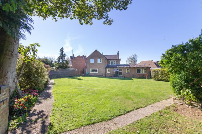 Thumbnail Detached house for sale in Newlands, Letchworth Garden City