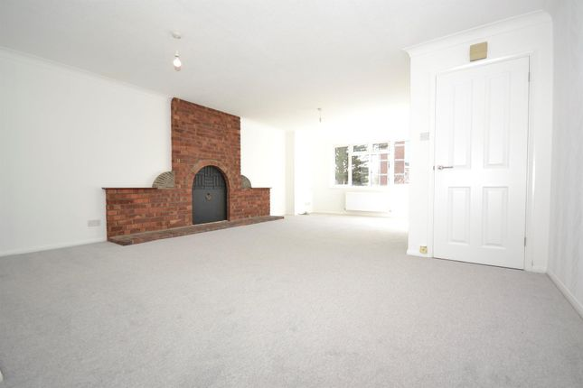 Thumbnail Property to rent in Upperton Road, Eastbourne