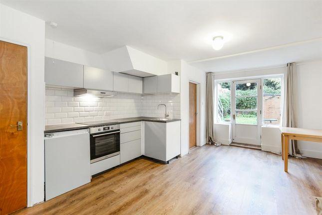Thumbnail Flat to rent in Eastlake Road, London