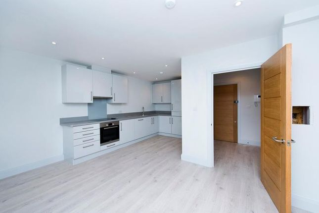 1 bed flat to rent in Rivia House, High Road, Whetstone, London
