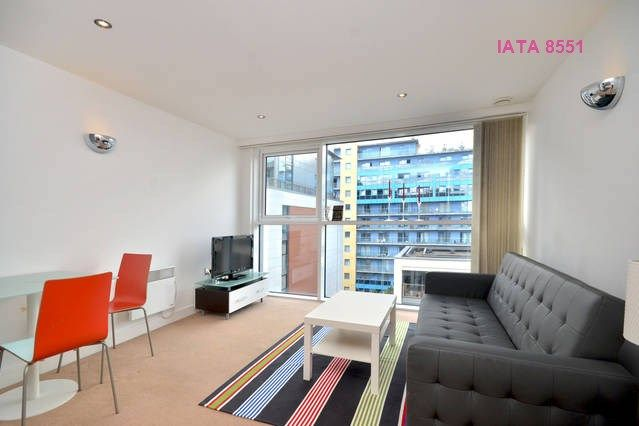 Thumbnail Flat to rent in Western Gateway, London