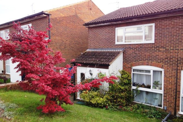 Thumbnail Maisonette to rent in Montgomerie Close, Berkhamsted, Hertfordshire