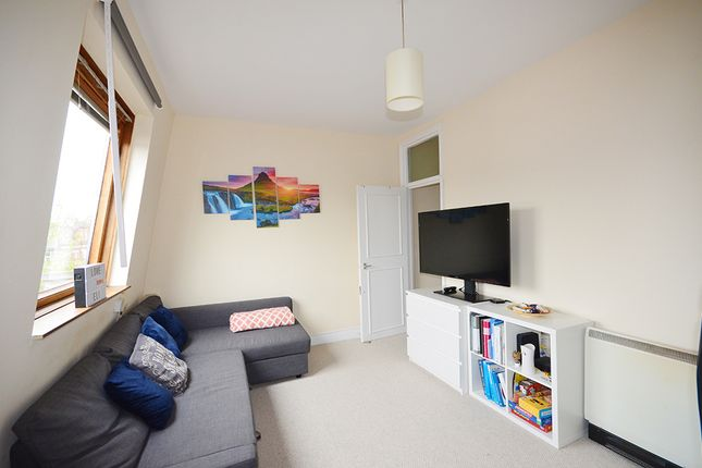 Thumbnail Flat to rent in Hampden Road, Harringay Ladder, London