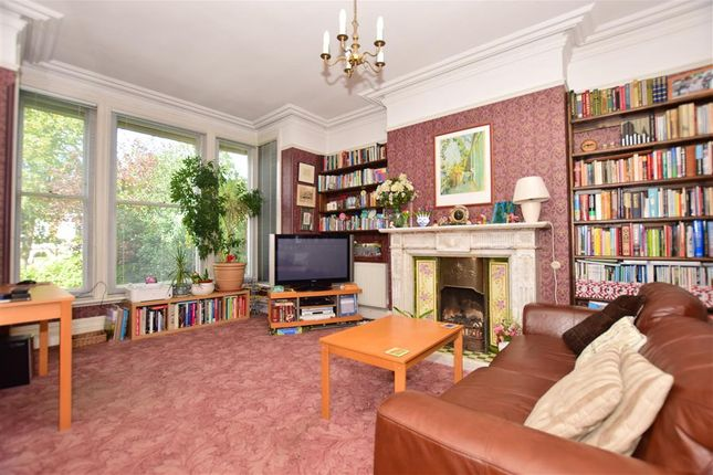Family Room of Maidstone Road, Chatham, Kent ME4