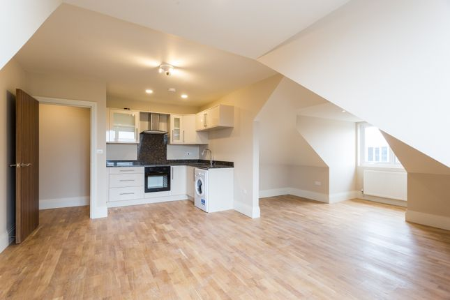 Thumbnail 1 bed flat to rent in Reet Gardens, Stoke Gardens, Slough