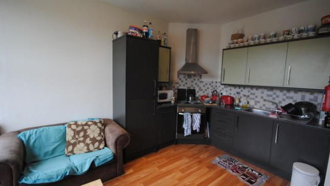Photo 2 of Flat 6, Hyde Park, 79 Brudenell Grove, Hyde Park LS6