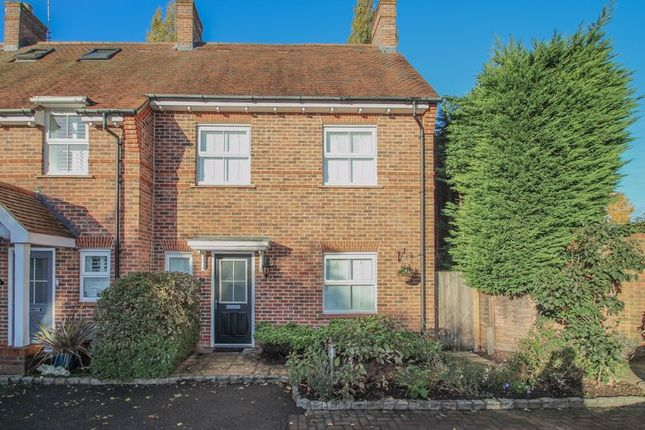4 bed terraced house to rent in The Gallops, Esher KT10