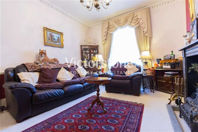 Thumbnail Terraced house for sale in Claremont Square, Finsbury, London