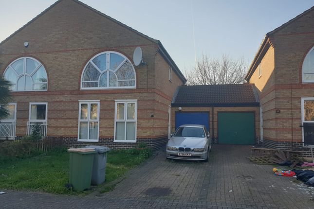 Thumbnail Terraced house to rent in Beryl Avenue, Beckton